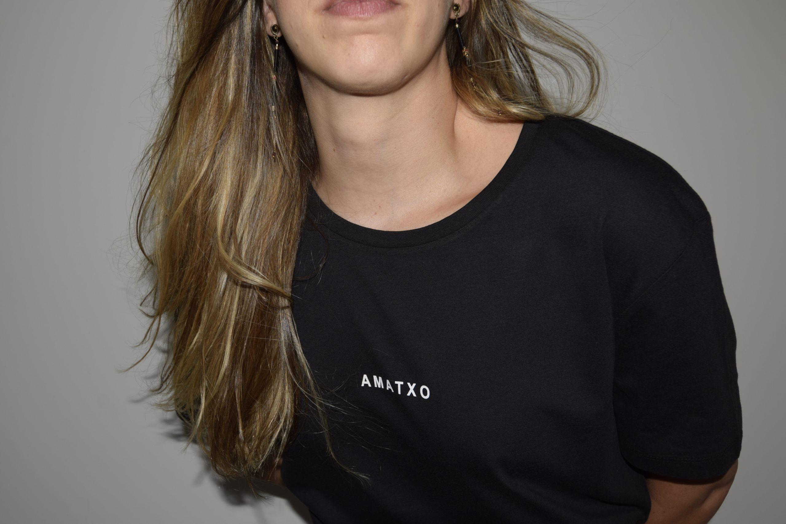 camiseta amatxo negro corte recto